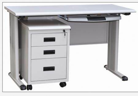 钢制办公桌